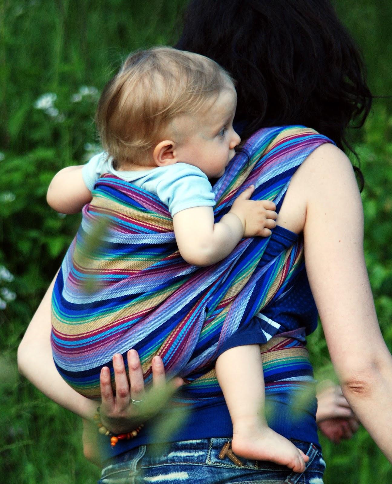 4bfc518f114 Šátky a oblečení k nošení dětí
